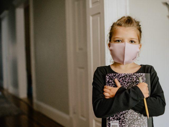 マスクによる健康被害と対策を紹介